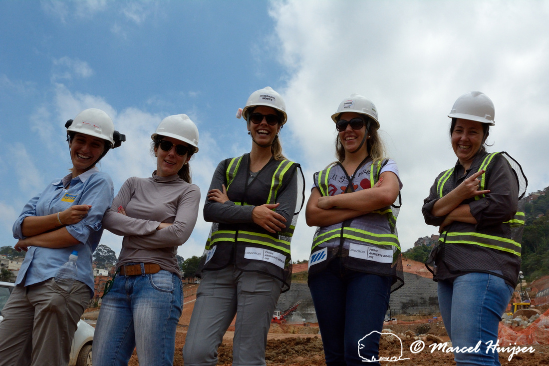 From left to right: Camylla Silva Pereira, Jamille Consulin, Fernanda Abra, Ana Scivittaro Cruz and Katia Ferraz