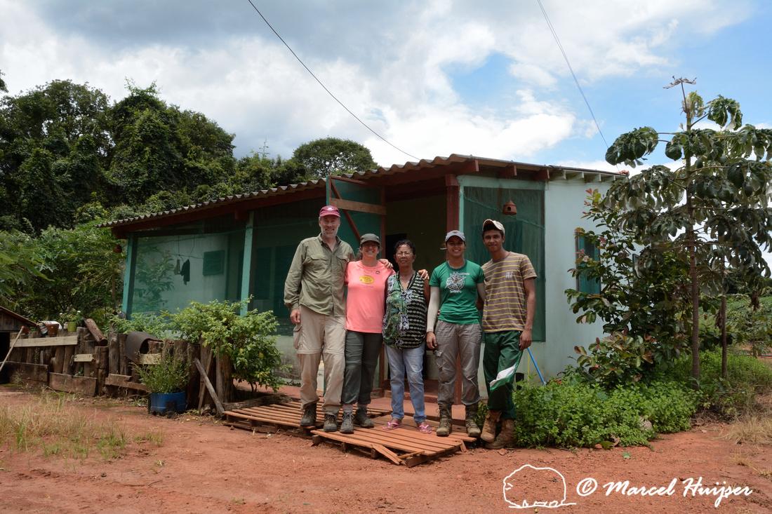 Marcel Huijser, Bethanie Walder, Ana Lúcia, Karolyne Rodrigues and Joel Jesus Silva at Pousada do Gloria near Parque Nacional das Emas, Goiás, Brazil