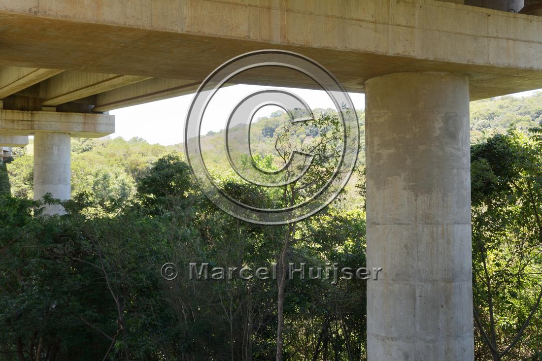 Overspan bridge, East of Itatinga,  BR-374, São Paulo, Brazil