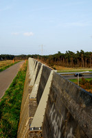 Fence and visual and noise barrier on multifunctional overpass (wildlife and bicycle pedestrian path) Slabroek, about 15 m wide, across A50 motorway, north of Uden, The Netherlands