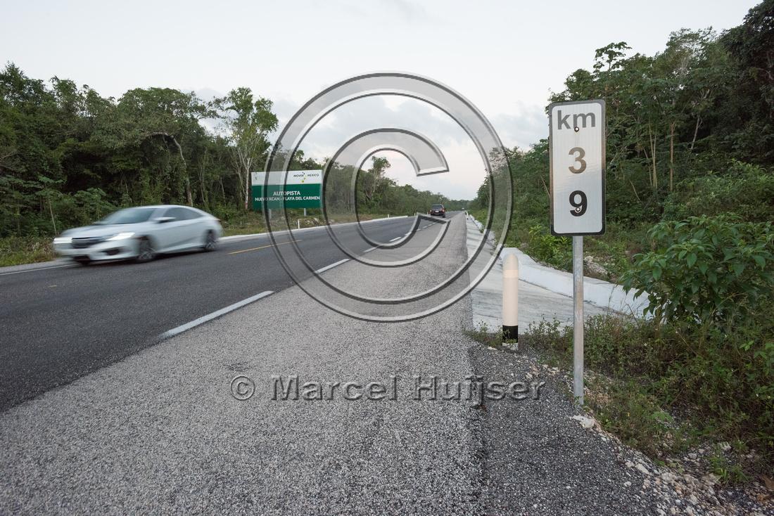 A kilometer post, Nuevo Xcan-Playa Del Carmen highway, Quintana